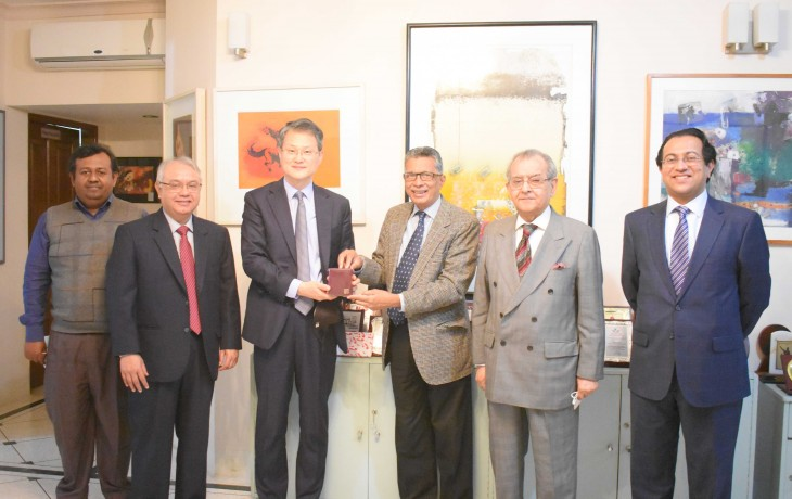 On 18 January, H.E. Mr. Lee Jang-kaeun visited BEI to discuss issues of mutual interest with the BEI President and senior staff